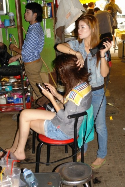 Hair dresser Cambodian Markets